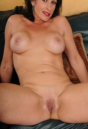 puta madura desnuda